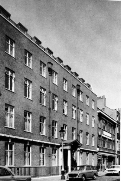 72-74 Dean Street 1964 - Royalty House.jpg     