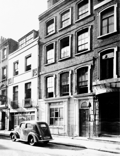 16-18 Gerrard Street 1946.jpg