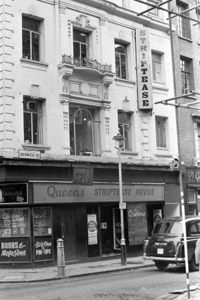 37 Berwick Street 1972 March - Queens striptease revue.jpg